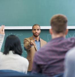 Capa curso - Doutorado e Mestrado Acadêmico em Educação